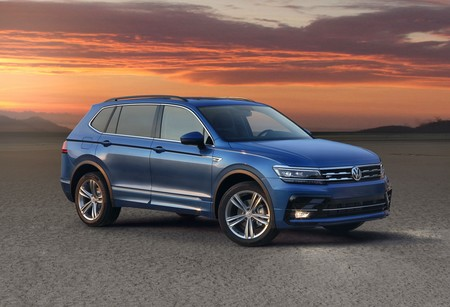 volkswagen tiguan versi n r line se presenta en m xico. Black Bedroom Furniture Sets. Home Design Ideas