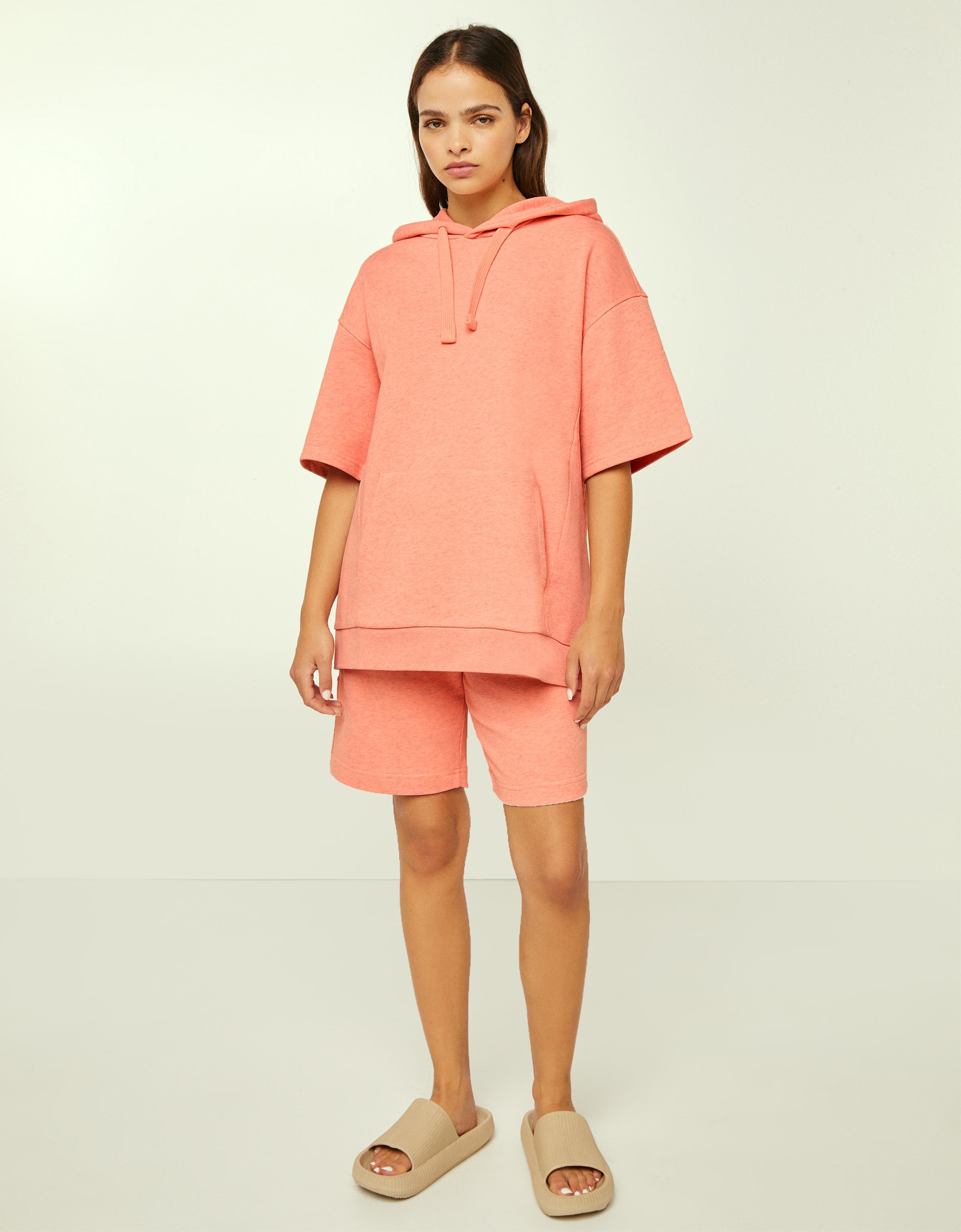 Sudadera capucha manga corta B3