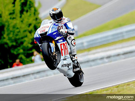 MotoGP Indianápolis, Lorenzo gana a Rossi con sus mismas armas