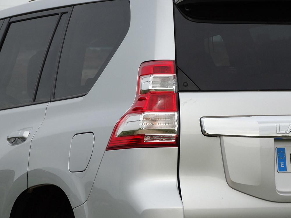 Foto de Probamos el Toyota Land Cruiser 180D, todas las imágenes del motor, maletero y otros detalles (11/32)