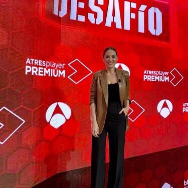 """Tamara Falcó acude a la presentación del nuevo programa de televisión """"El Desafío"""" con un look firmado por & Other Stories y Zara"""