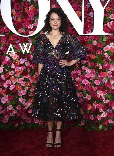 alfombra roja tony awards Tatiana Maslany