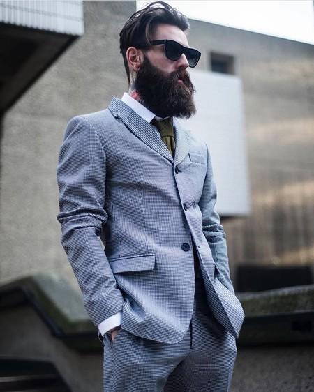 537cd2a8a Buscamos en Instagram a los modelos con barbas que nos inspiran a no ...