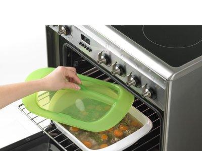 Rustidor de la marca Lékué con tapa para horno por sólo 22,85 €. ¡Podemos ahorrar más de 15 euros!