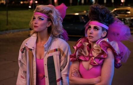 'GLOW' cancelada: Netflix da marcha atrás por el coronavirus y no hará la temporada 4 que iba a finalizar la serie