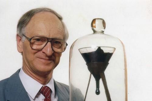 El experimento más lento del mundo y otros estudios impactantes de la historia de la ciencia