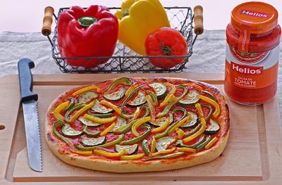 Receta de coca de tomate y verduras