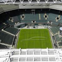 Jaguar se va lo grande y plasma un teaser del XF Sportbrake en Wimbledon