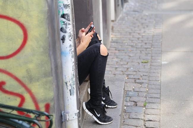 Las limitaciones de comunicarse por SMS o Whatsapp