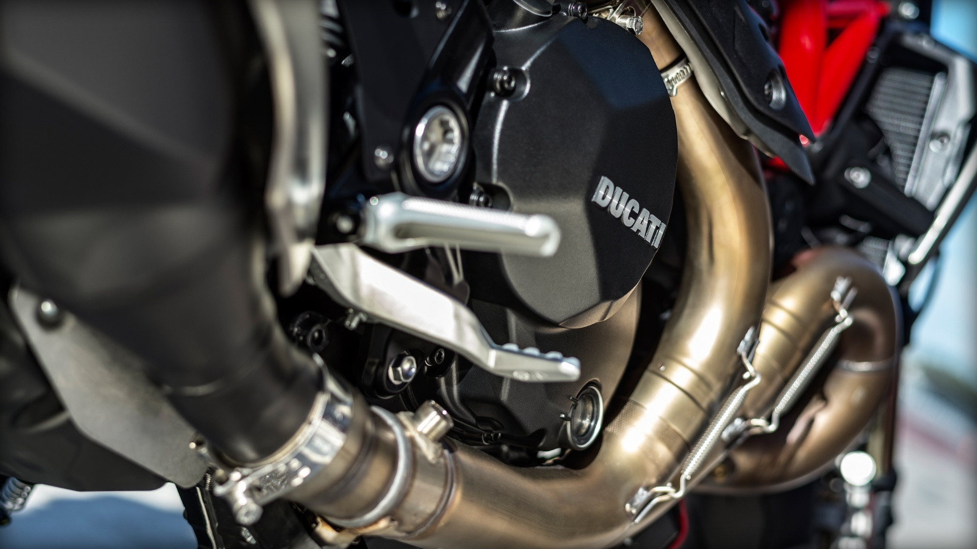 Foto de Ducati Monster 1200 R (17/30)