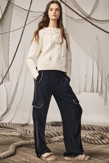 El estilo marinero invade la nueva colección de Zara SRPLS con prendas que van a enamorar por su diseño (lo queremos todo)