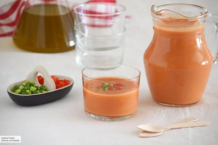 Cómo hacer gazpacho sin pan (y sin gluten): la receta más ligera para refrescarse en verano
