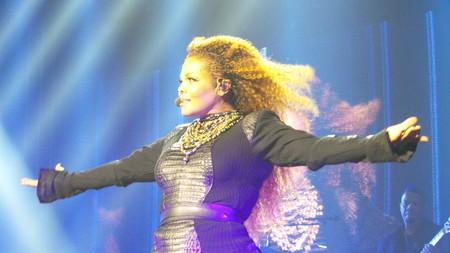 Janet Jackson, madre primeriza a los 50, ¿demasiado tarde?