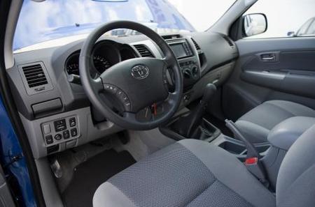 Toyota Hilux-2010-03