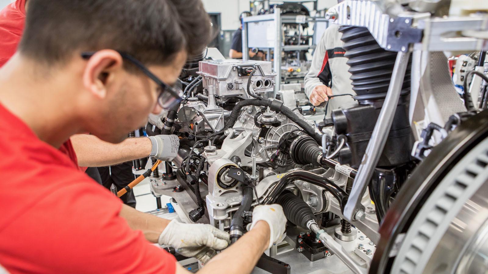 Foto de Fábrica Porsche Taycan (inauguración) (30/44)