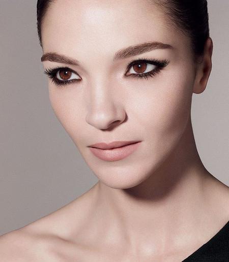 Pues sí, ya podemos ver lo que nos espera el próximo otoño-invierno de la mano de Givenchy Extravagancia