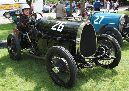 Dolorpasión™: Bugatti T13 de 1924, vuelco ante las cámaras