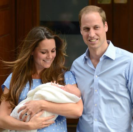 ¡El 'bebé real' es un niño! Kate Middleton y el príncipe Guillermo presentan a su hijo