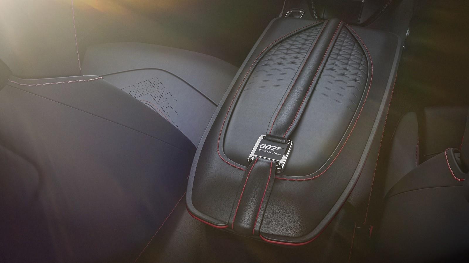 Foto de Aston Martin Vantage y DBS Superleggera 007 Edition (13/39)