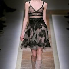 Foto 4 de 23 de la galería valentino-otono-invierno-20112012-en-la-semana-de-la-moda-de-paris-la-moda-esta-triste en Trendencias