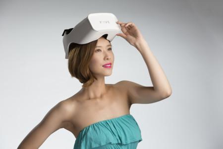 La revolución de este casco de realidad virtual está en el control: puedes usar tus ojos en vez de las manos