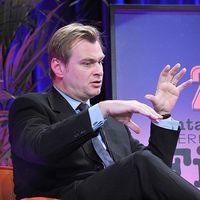 """Ya tenemos las primeras pistas de la """"película secreta"""" de Christopher Nolan: hay romance y hay acción"""