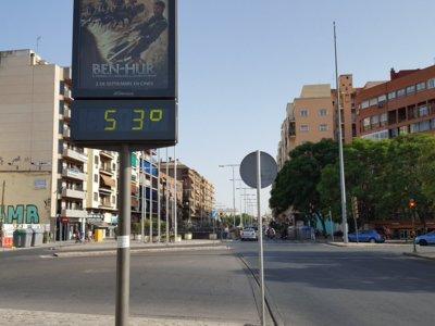 Entonces, ¿de qué termómetro puedo fiarme? ¿Del de la calle? ¿Del del coche?