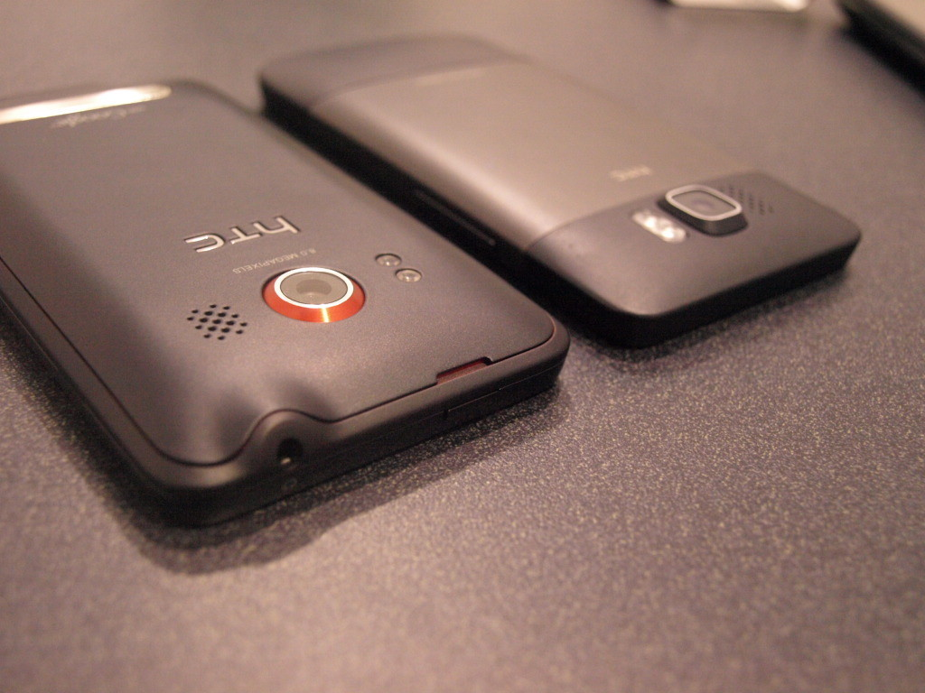 Foto de HTC HD2 vs HTC EVO 4G (8/10)