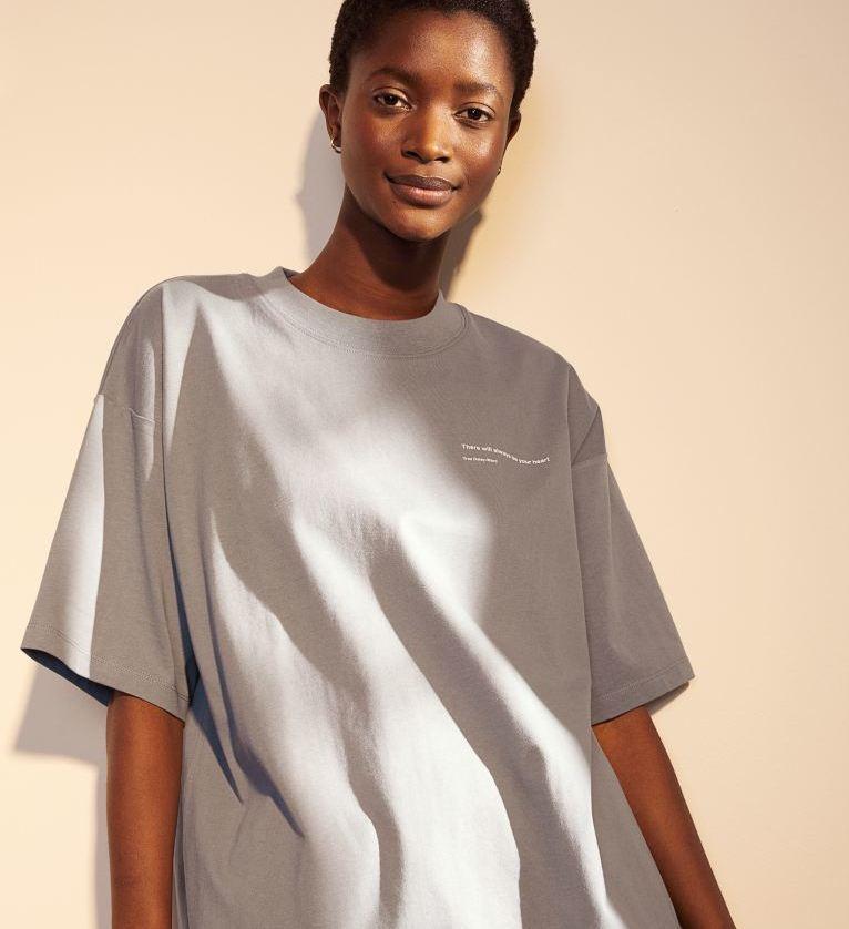 Camiseta oversize con mensaje