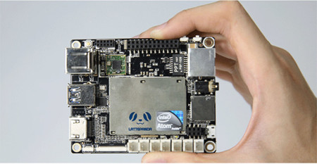 Este microPC apuesta por Windows 10 para competir con Raspberry Pi