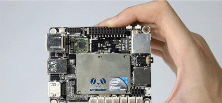 Este microPC apuesta por Windows 10 para competir con Raspberry Pi