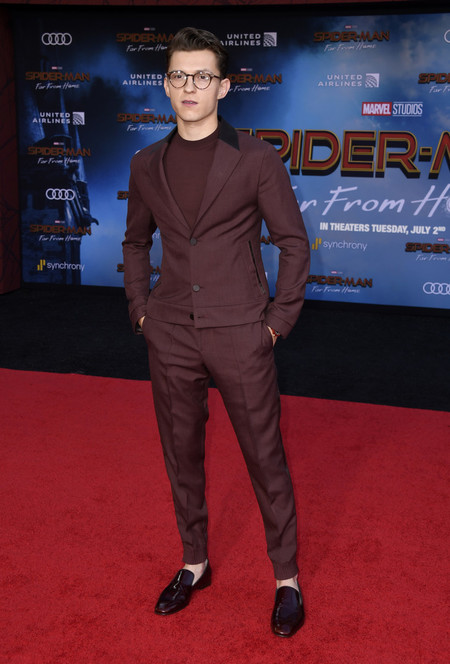 Tom Holland Entre El Traje Y El Chandal Para La Premiere De Spider Man Far From Home03