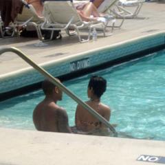 Foto 5 de 7 de la galería rihanna-en-la-piscina en Poprosa