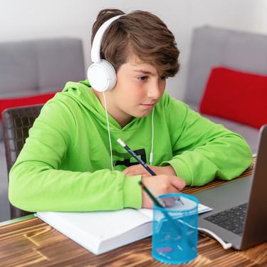 ¿Puede el profesor grabar a sus alumnos en las clases virtuales y los exámenes?