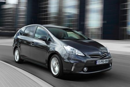 Toyota Prius+ gris oscuro