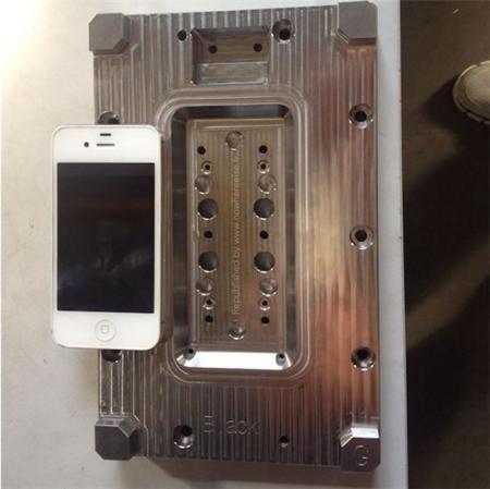 Siguen filtrándose datos que apuntan a un futuro iPhone de 4,7 pulgadas