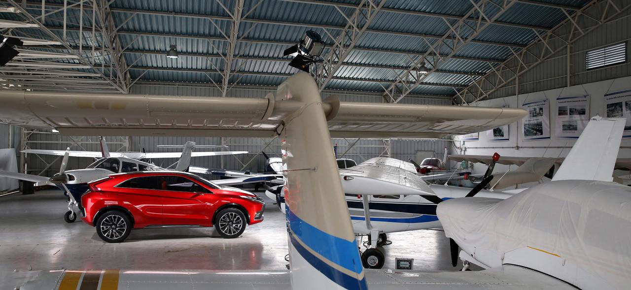 Foto de Mitsubishi XR-PHEV II Concept (21/27)