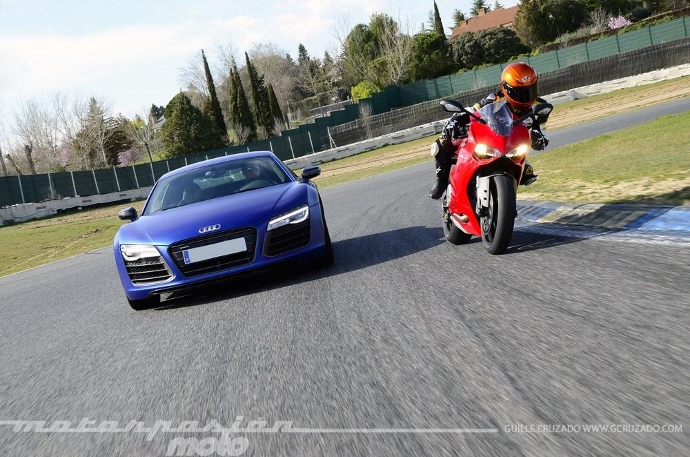 Foto de Ducati 899 Panigale Vs Audi R8 V10 Plus (23/24)