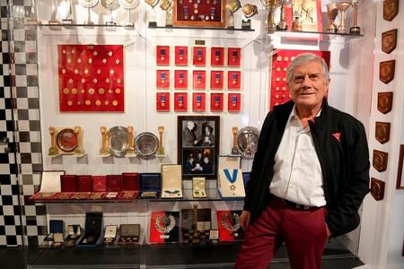Giacomo Agostini quiere cenar con sus fans, pero solo si antes visitan su nuevo museo en Italia