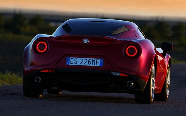 Foto de Alfa Romeo 4C llegará a México en 2014 (16/21)