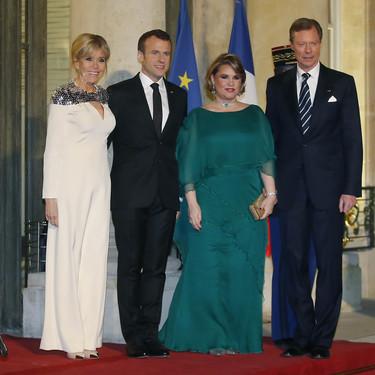 Así es el vestido hecho a medida por Louis Vuitton con el que Brigitte Macron ha conquistado a todos