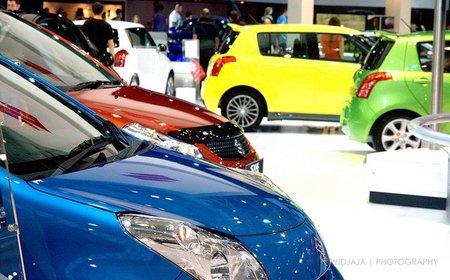 Sydney Motor Show 2010 - Suzuki Many Colors, por jangkwee.jpg