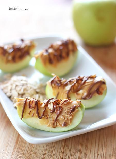 Manzana con avena y crema de cacahuete
