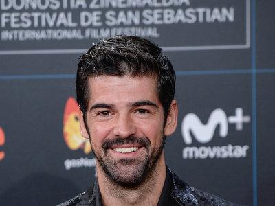 Mucho brillo en un look desafortunado: Miguel Ángel Muñoz en el San Sebastian Film Festival