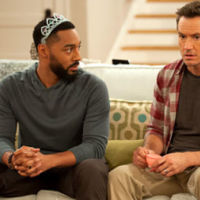 Mark-Paul Gosselaar vuelve a la televisión con 'People are talking' en NBC