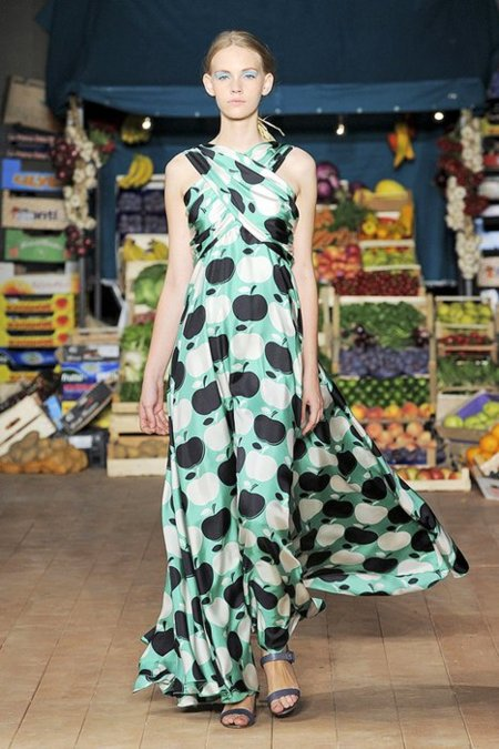 Fruta Moschino Cheap and Chic Primavera-Verano 2012