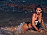Kim Kardashian cansina hasta decir basta con sus posados en bikini