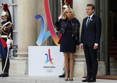 Brigitte Macron, una mujer de ideas fijas y un estilo personal muy marcado