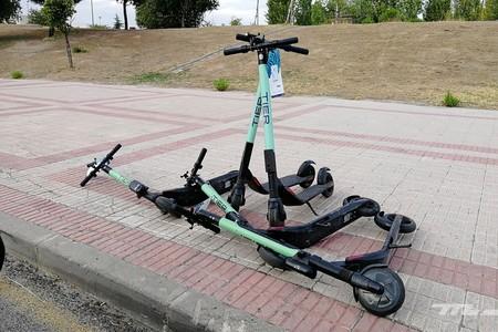 El patinete eléctrico ya es objetivo de las nuevas ordenanzas de movilidad de algunas ciudades: multas y obligaciones de los VMP