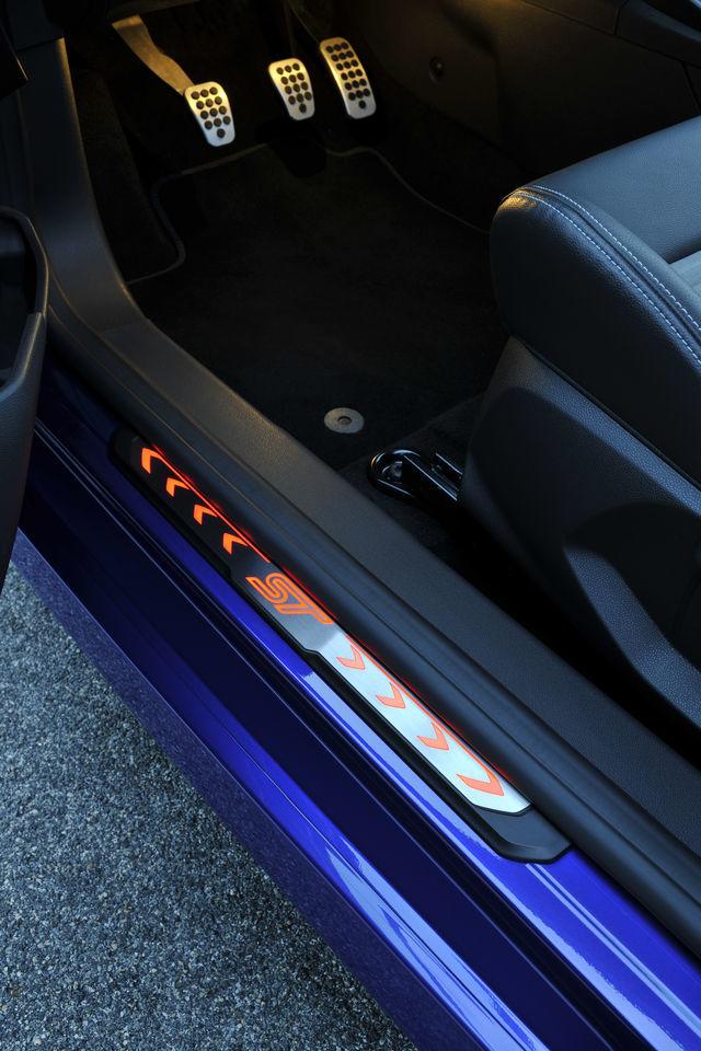 Foto de Ford Fiesta ST 2013 en Francia (45/50)